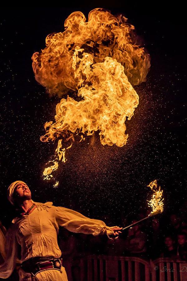 cracheur de feu theme orientale