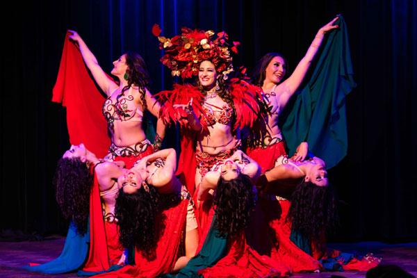 spectacle avec danseuses orientales