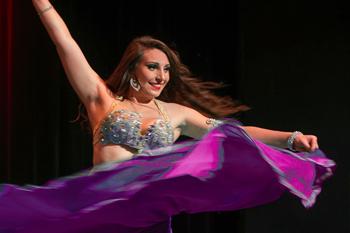 spectacle de danse orientale avec danseuse orientale